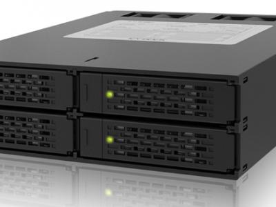ToughArmor MB994SP-4S 4 x 2.5インチSATA & SAS HDD/SSD 搭載用モジュールケース